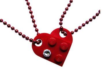 Il cuore di Lego è impreziosito da uno Swarowski