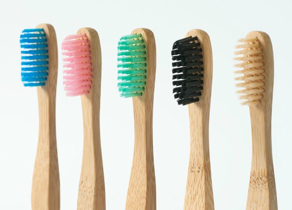 Basta plastica! Passa allo spazzolino in bambù
